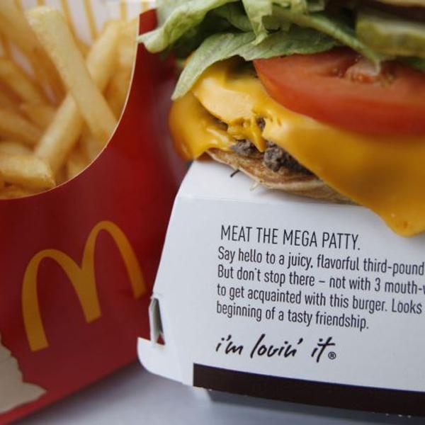 продукты, фаст-фуд, Секретный ингредиент для гамбургеров: древесная масса