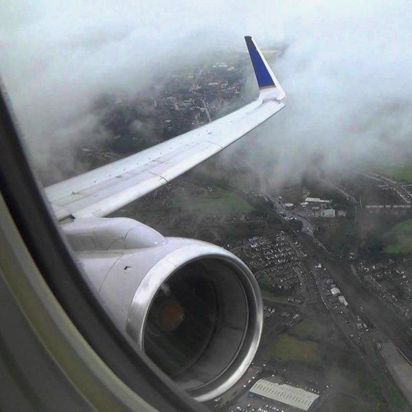 США, Boeing, авиация, самолёт, путешествия, Пассажир снял на видео момент, когда авиалайнер мог взлететь на воздух