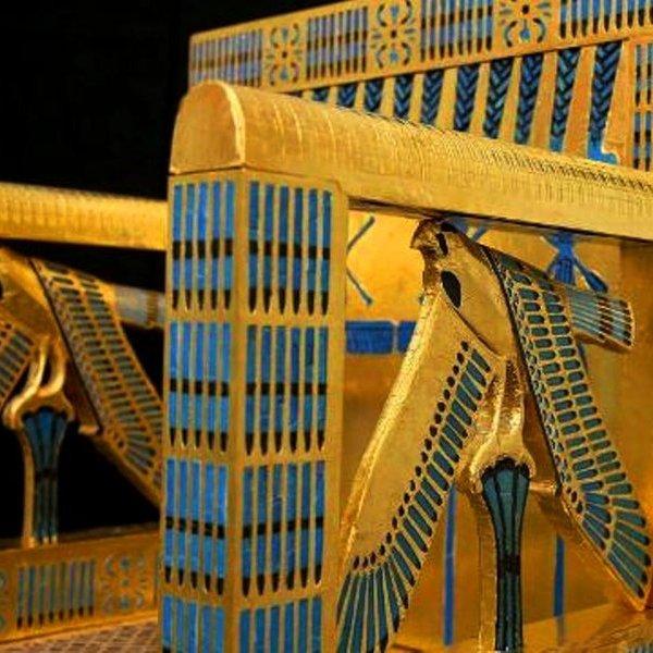 История, археология, религия, общество, политика, дизайн, концепция, идея, История Древнего Египта: археологи воссоздали царский трон