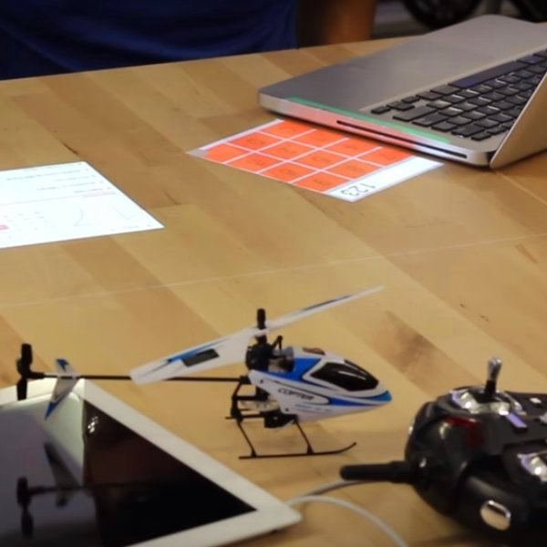 идея,концепт,дизайн, «Desktopography» превращает письменный стол в сенсорный экран