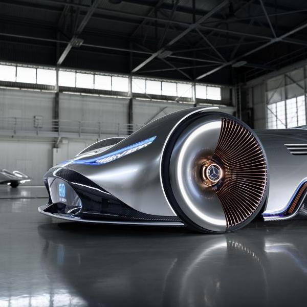 автомобиль, дизайн, Mercedes EQ Silver Arrow - электрический концепт в классическом дизайне